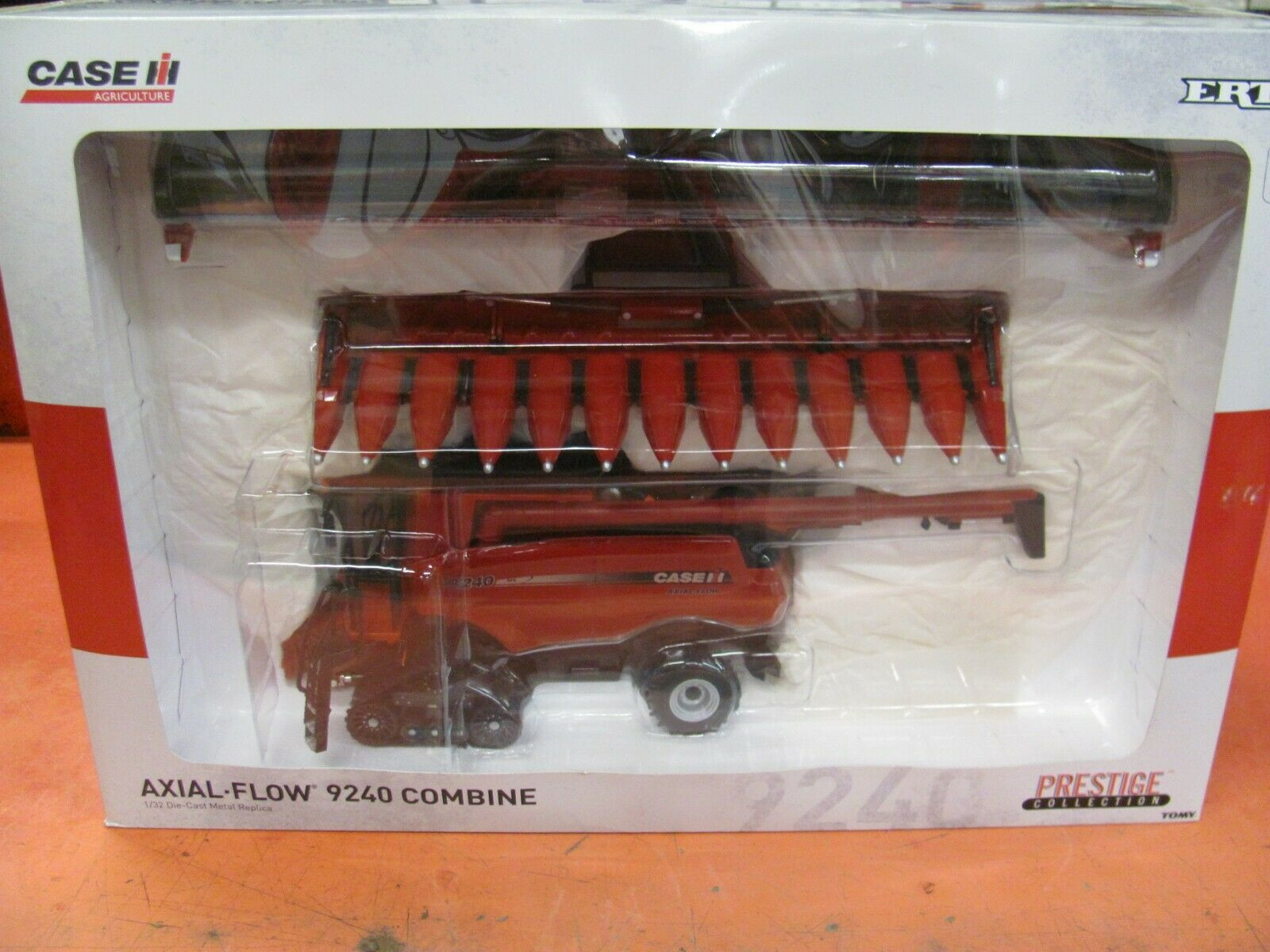 Case IH 9240 Combine - Prestige Collection - 1/32 Scale - ZFN14931