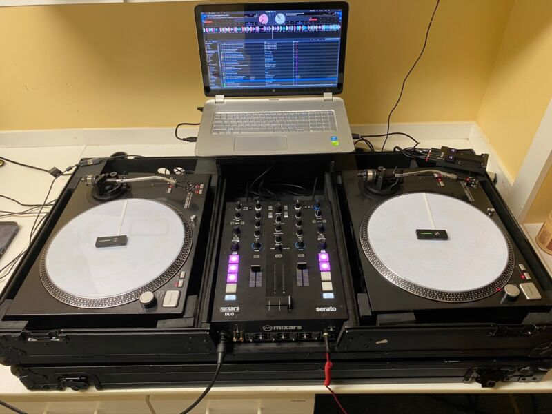 Reloop RP 4000M turntables (pair) with Odyssey road case