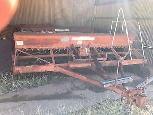 Various farm equipment, Mcormick international combine x2 Shackleton Bruce Rock Area Preview