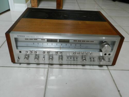 Vintage Pioneer SX 1050 Stereo Receiver