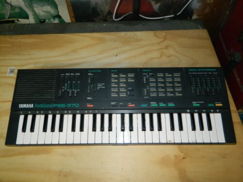 Vintage Yamaha PortaSound PSS-370..Working..Batteries Only..No Power Cord