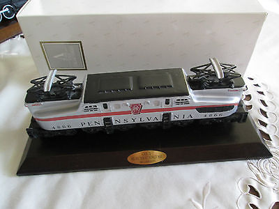LIONEL CLASSIC TRAIN COLLECTION**GG 1 ELECTRIC ENGINE**W/BASE BRASS PLAQUE 1994