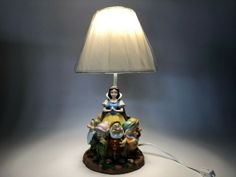 Retired - Snow White and The Seven Dwarfs Lamp - MINT