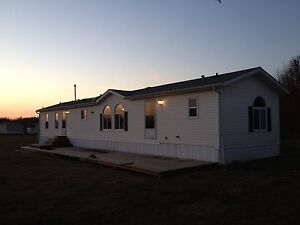 Mobile home 3.4 acres in two hills