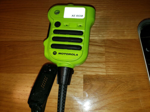 Motorola NNTN8203A Remote Speaker Mic