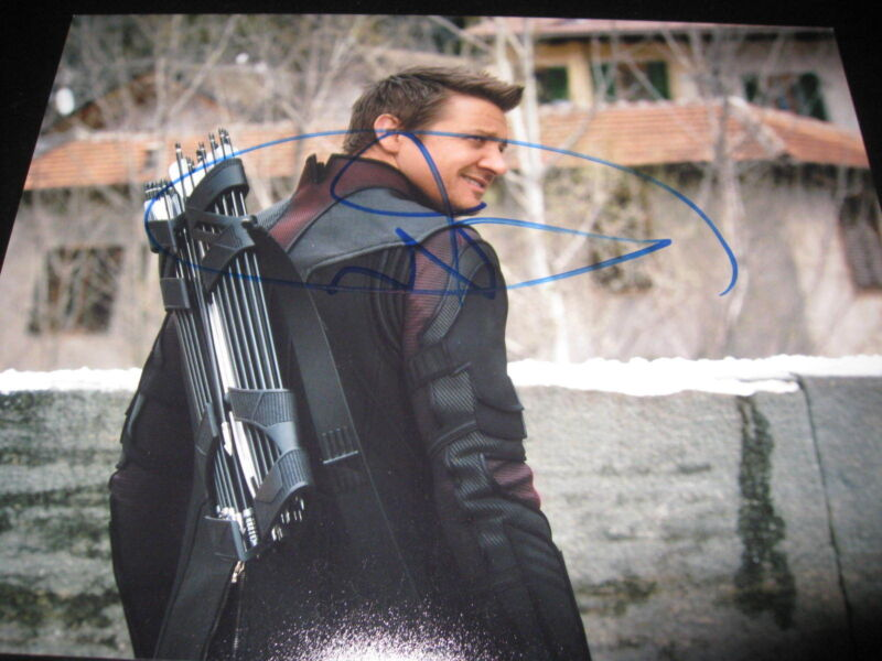 JEREMY RENNER SIGNED AUTOGRAPH 8x10 PHOTO HAWKEYE AVENGERS PROMO IN PERSON COA F