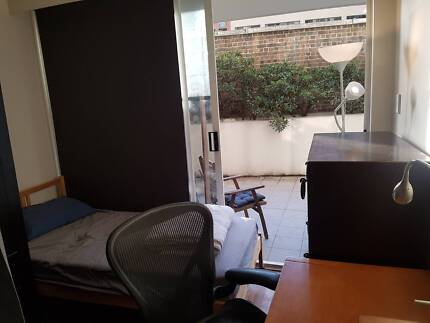 DOUBLE ROOM, DIVIDED INTO 2 AREAS, SYDNEY CITY WORLD SQUARE