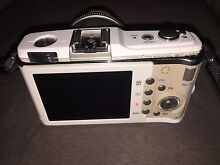 Olympus Pen E-P1 with 14-42mm zoom lens + camera bag Kardinya Melville Area Preview