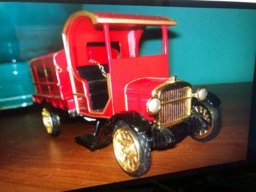 Metal 1910s replica FORD Model