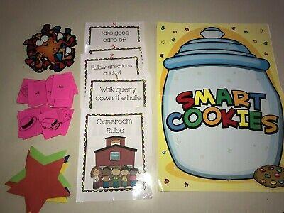 KINDERGARTEN TEACHER SCHOOL SUPPLIES SMART COOKIES POSTER FROGGIES CUT OUTS - School Teacher Supplies
