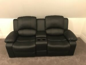 2-seater faux leather recliner w/ storage