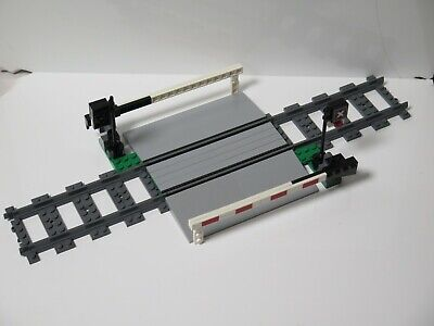 Lego city 7936 ONLY Level crossing ! Not a complete set! Lego trains 10219 10194