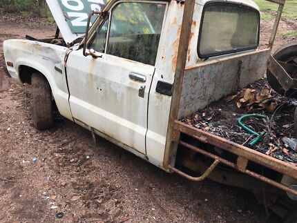 Courier ute
