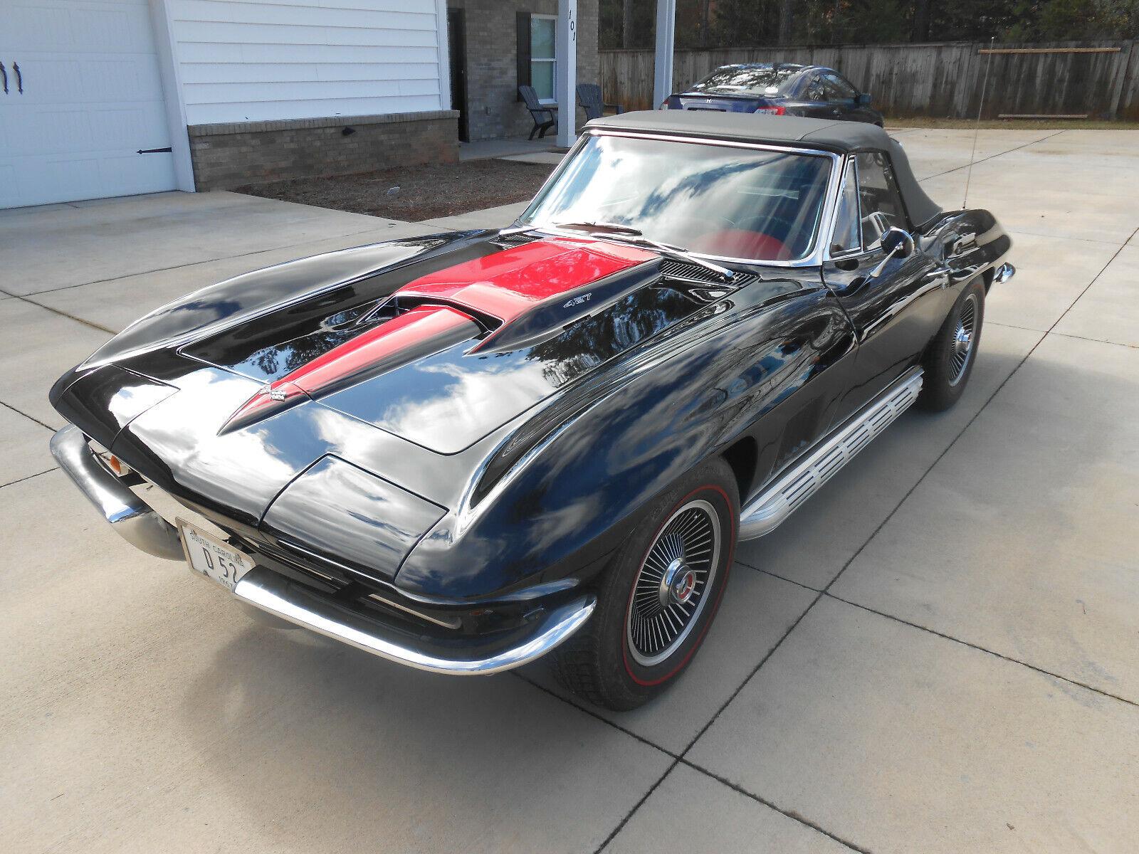 1967  Chevrolet Corvette   | C2 Corvette Photo 1