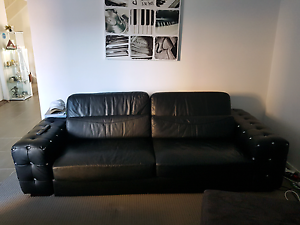 Black leather with Diamond look alike 5 seater set Macquarie Links Campbelltown Area Preview