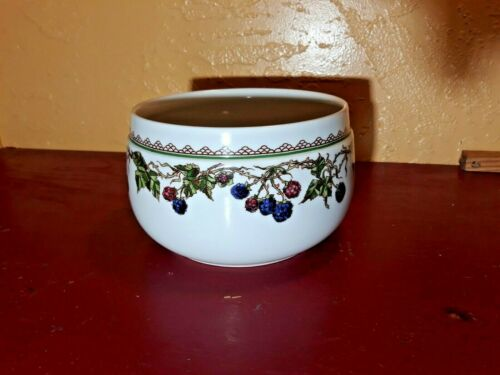 "GOEBEL BROMBEERE 5"" SALAD SERVING BOWL"