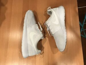 Nike Roshe run, men's size 12, All White, Air jordan
