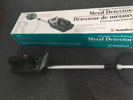 Metal detector - Radio Shack Ferrous/ Non Ferrous
