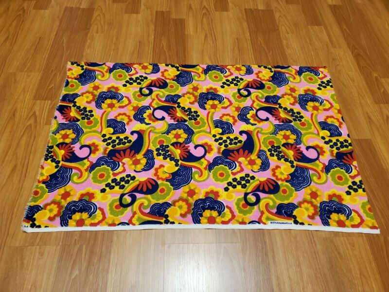 Awesome RARE Vintage Mid Century retro 70s bright rainbow pink terry fabric! WOW