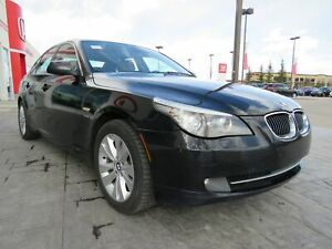 2010 BMW 528 i xDrive*AWD, Leather, Sunroof*