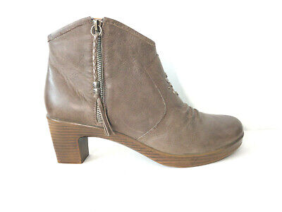KRAVINGS by Klogs US 11M Stevie Taupe Leather Booties Ankle Boots