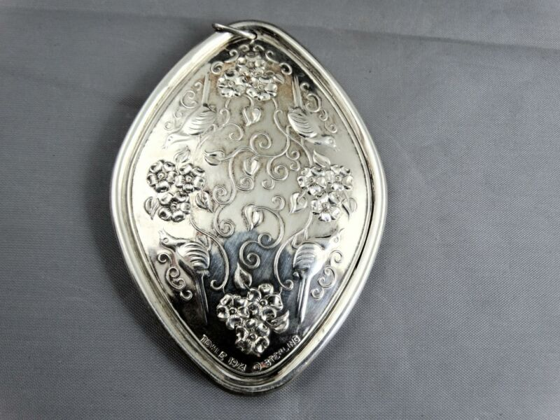 Vintage Towle 1974 Sterling Silver Christmas Medallion Ornament