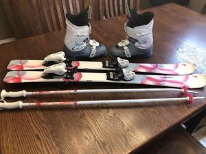 Girls 107 head skis and Salomon size 5-5.5 boot