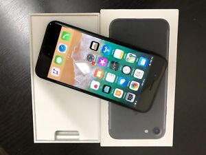 Mint iPhone 7 Unlocked ( with Apple care plus)