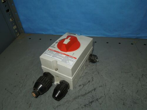 Square D MD3304X 30A 3PH 600V NEMA 4X Manual Motor Controller Disconnect w/ Aux