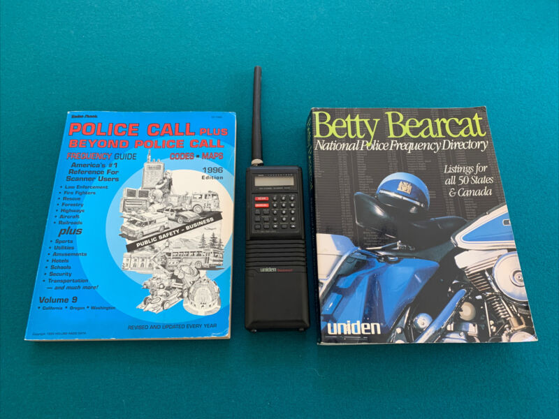 Uniden BC200XLT Scanner + Vintage Betty Bearcat & Police Call Guide - ONE OWNER