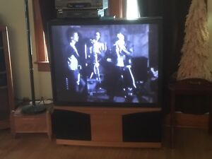 "46"" Projection TV------FREE!!!!"