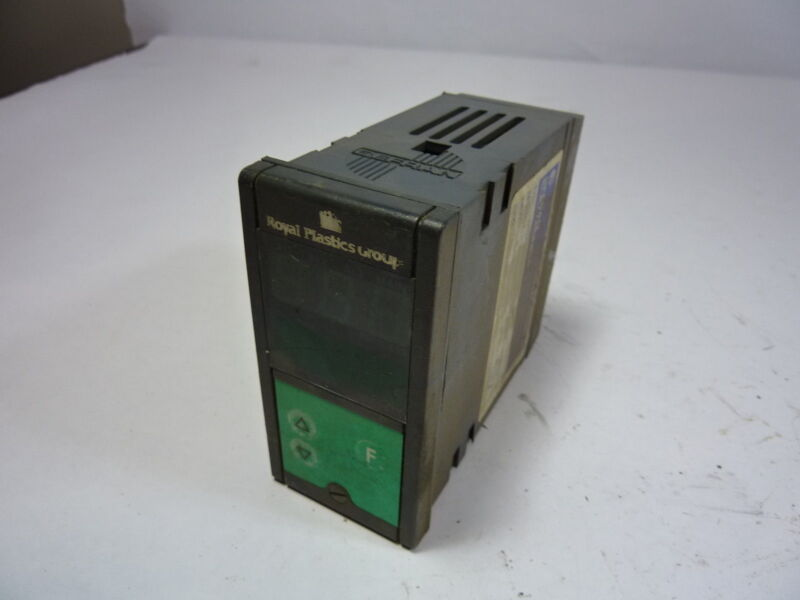 Gefran 1000N-1R-2 Digital Temperature Controller  USED