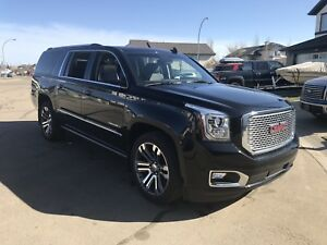 GMC Yukon Denali XL - Dual Rear DVD, Ext'd Warranty, 11,400 kms