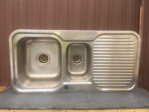 Kitchen's sink in very good condition