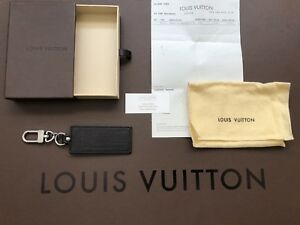 Authentic LOUIS VUITTON Key Ring Holder Charm Black Leather, box,bag NO receipt