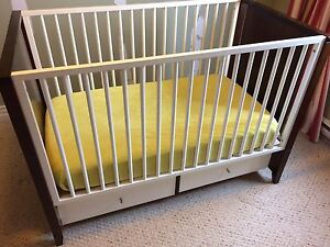 Modern Crib with Storage Drawers (Mattress Included)