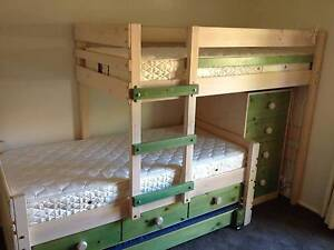BUNKERS Bunk bed Wanniassa Tuggeranong Preview