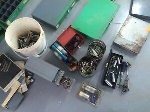 Lot d,outils et volts etc