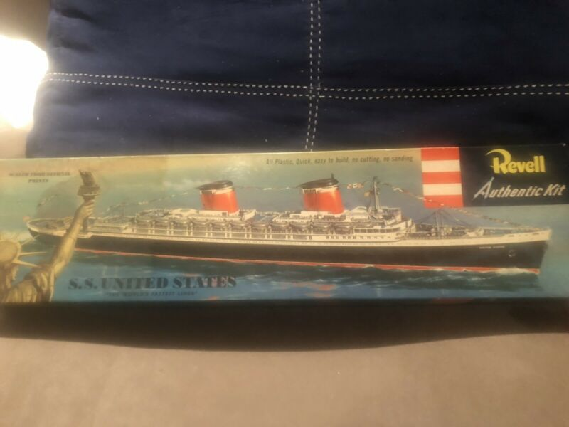 REVELL 1953 SS UNITED STATES CRUISE LINER