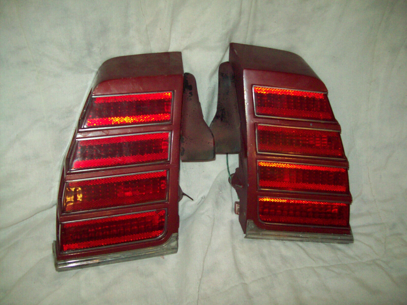 1975 chevrolet monte carlo tail lights pair original equipment with bezels
