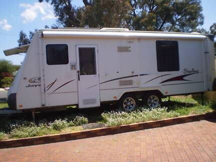 Jayco Sterling 2008 caravan 23.72ft with club lounge & ensuite