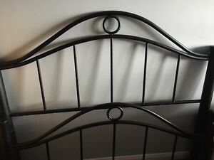 Black wrought iron Queen Head Board and Foot Board Set