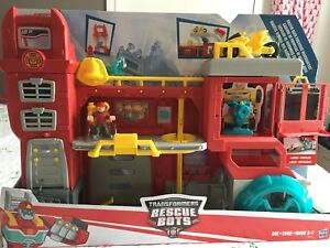 Rescue Bots - Griffin Rock Firehouse Headquarters