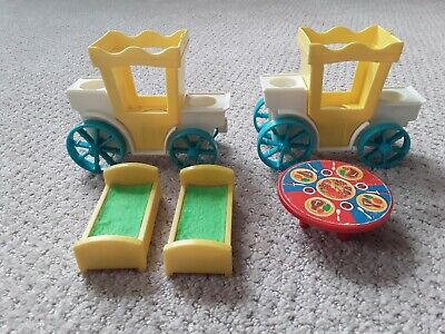 VTG Fisher Price Little People #993 Castle CARRIAGE/ King's Coach, Table, 2 Beds