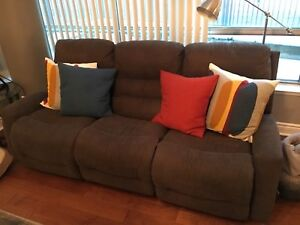 Recliner Couch - Mint Condition!!