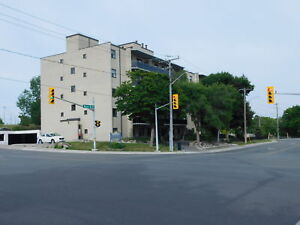 BEAUTIFUL 1 BDRM APT IN BARRIE, CLOSE TO DOWNTOWN!
