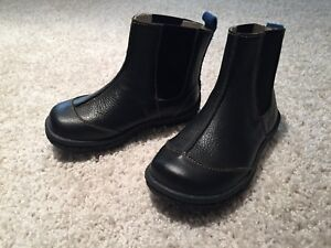 See Kai Run Black leather ankle boots for toddlers