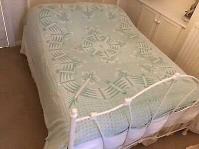 Vintage, Patterned Blanket, Green & White, Soft Woven Cotton.