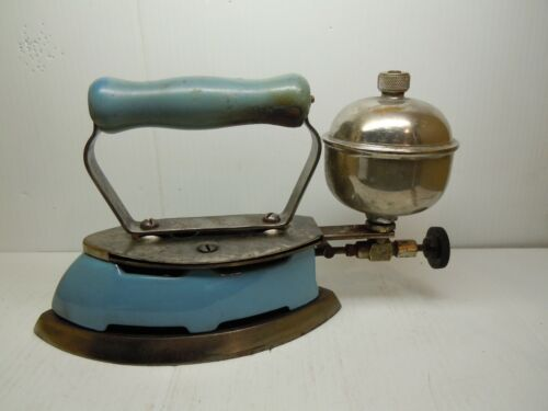 Vintage RARE Coleman Iron Instant Lite blue Enamel Gas Made in Canada Untested