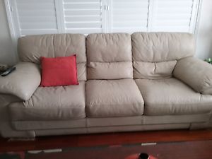2 lounge es for  sale Charlestown Lake Macquarie Area Preview